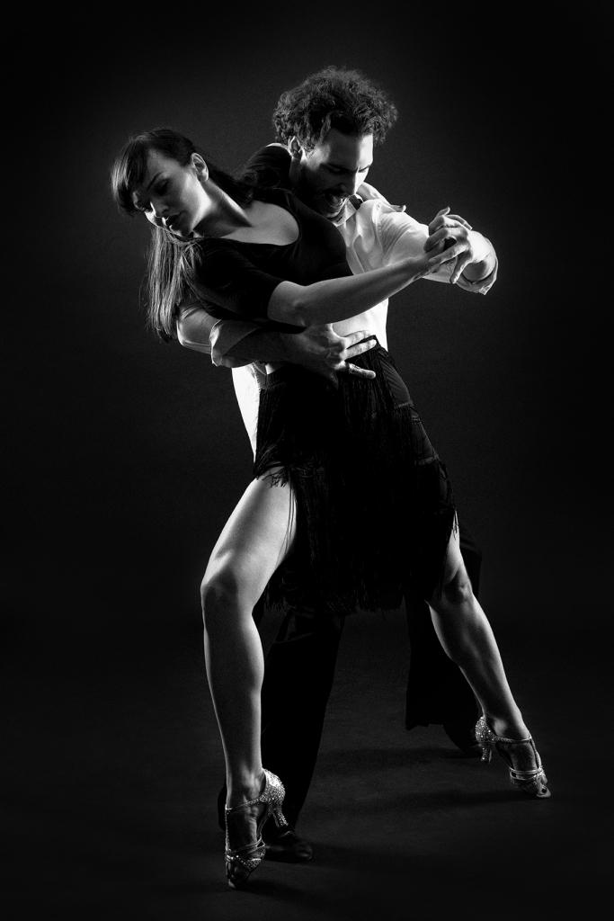 Un couple de danseurs tango argentin