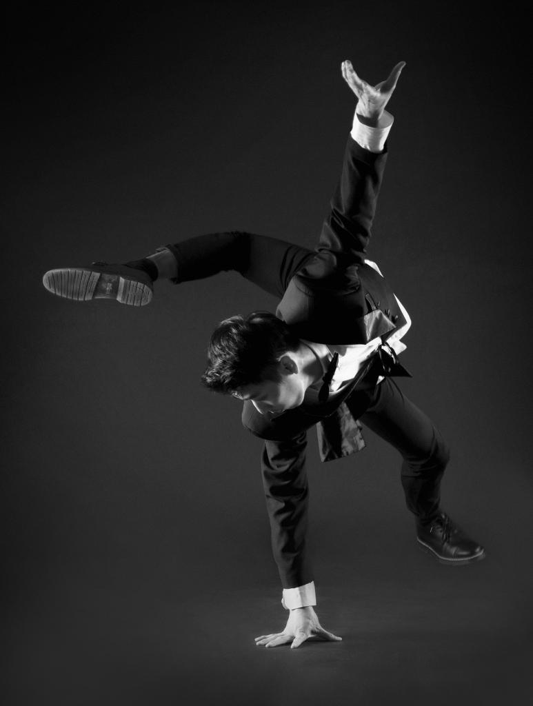 Un danseur de breakdance